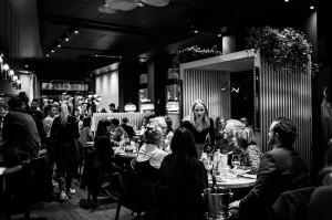 Bapas, Bayerische Tapas, Abendessen, viele Gäste und freundliches Personal, Schwabing Leopoldstraße