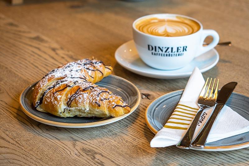 Kaffee und Süßwaren, Cafe Mauerer, Schillerstraße und Karlsfeld